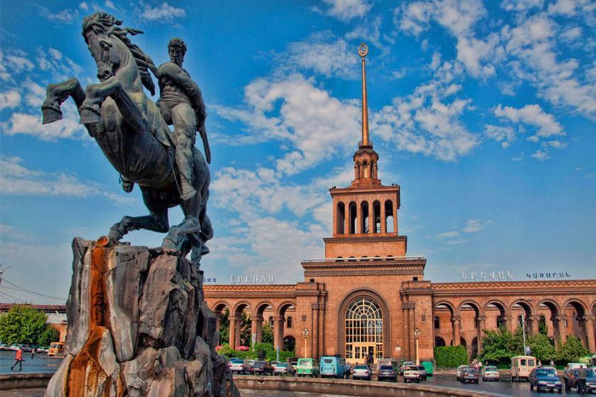 آشنایی با ایروان در تور ارمنستان