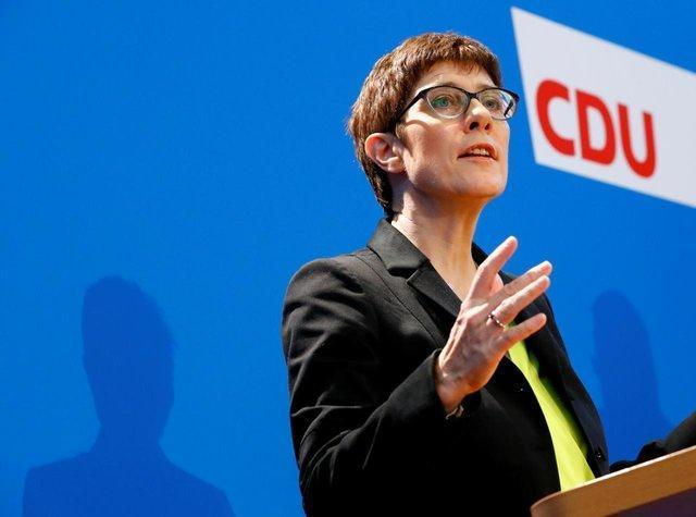 محافظه کاران آلمان، حامی نامزد تحت حمایت مرکل برای رهبری اتحاد دموکرات مسیحی