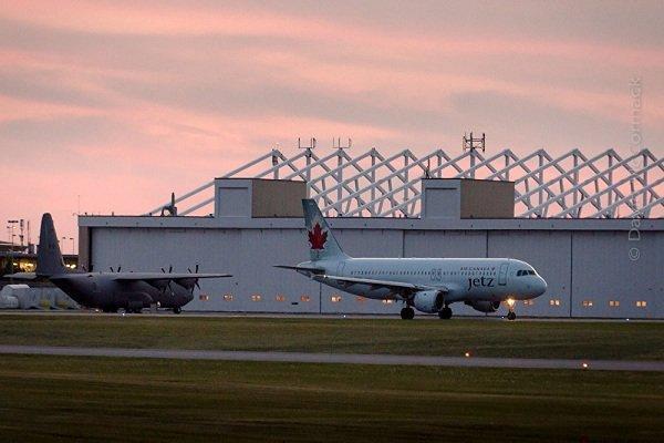 حادثه برخورد دو هواپیما بر فراز کانادا