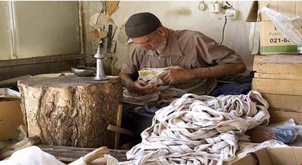 230 نفر از هنرمندان صنایع دستی تحت پوشش بیمه روستایی قرار گرفتند