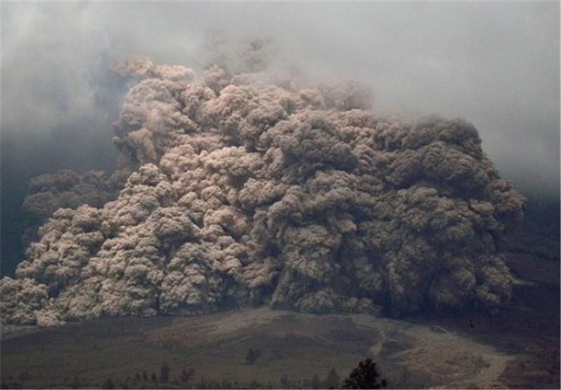کشته های فوران آتشفشان اندونزی به 15 نفر افزایش یافت