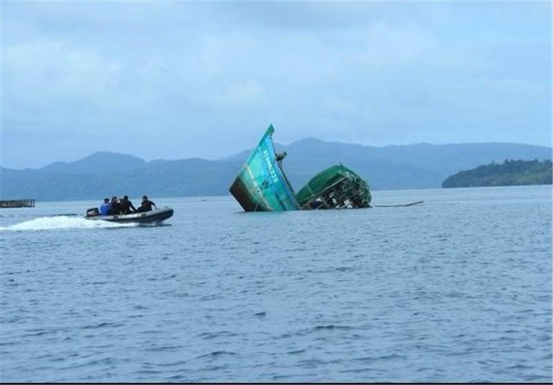 غرق شدن یک کشتی با 100 مسافر در آب های اندونزی