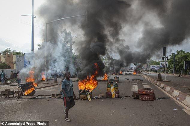 11 کشته و 120 زخمی حاصل اعتراضات ضد دولتی در اقتصادی