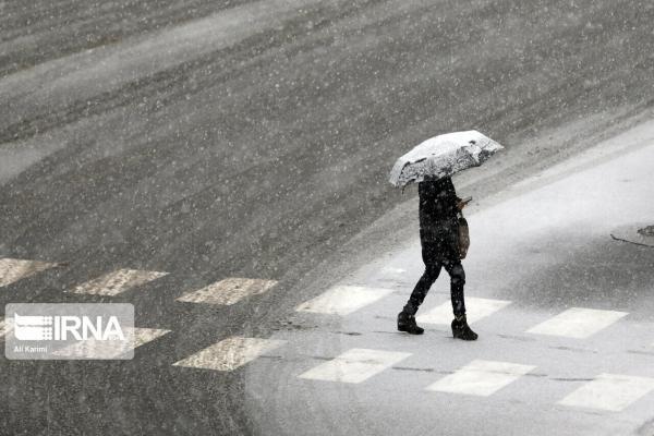 خبرنگاران بارش برف دراستان قم تا اوایل امشب ادامه دارد