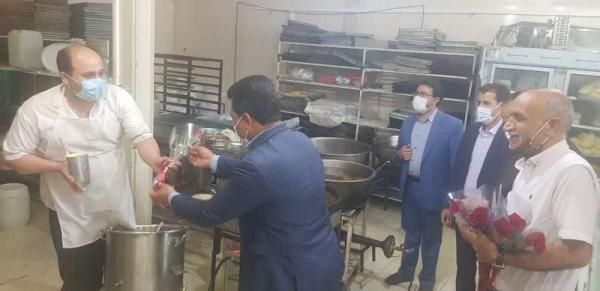 خبرنگاران کارگران واحدهای تولیدی مهریز تجلیل شدند