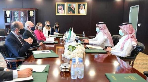 ملاقات سفیر عربستان و فرستاده آمریکا به یمن درباره آتش بس در این کشور