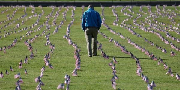 حدود 2000 نفر دیگر در تنها یک شبانه روز قربانی کرونا در آمریکا شدند